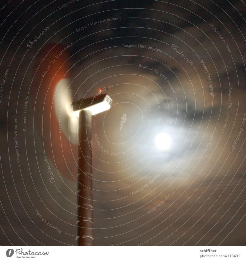 Bei Vollmond dreh ich durch! Himmel Wolken Wind Industrie Energiewirtschaft Windkraftanlage Mond drehen Rotor Mondschein
