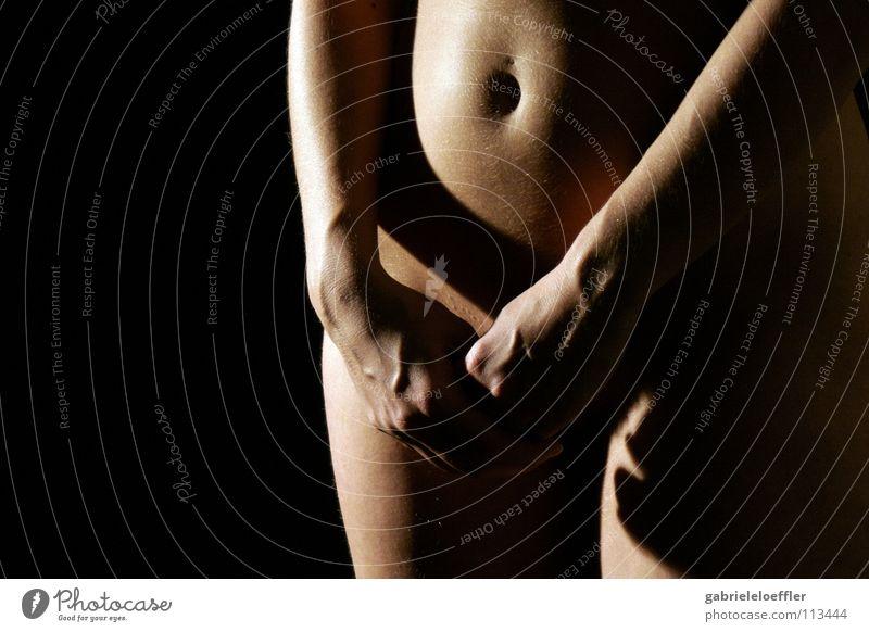 timid schön Sex Akt Piercing Single Weiblicher Akt