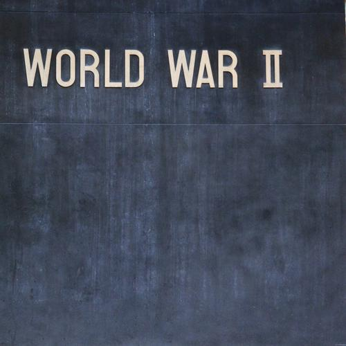 World War II Kunst ästhetisch Denkmal Tafel Krieg Denkmalschutz Weltkrieg Kriegerdenkmal Kriegerstatue