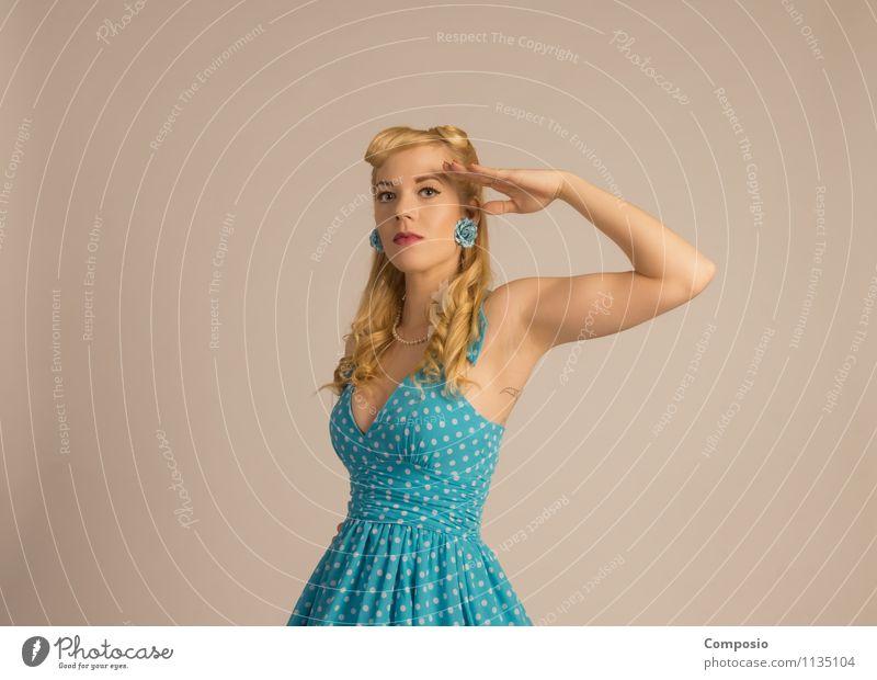 Aye aye neutral Mensch Frau Jugendliche blau schön Junge Frau 18-30 Jahre Erwachsene feminin Stil Kunst Lifestyle Party warten Tanzen genießen