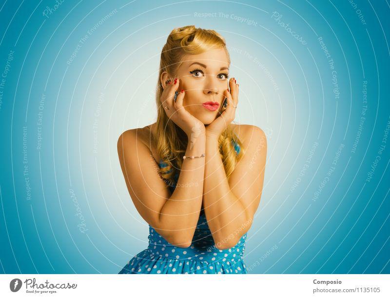 PinUp beauty Mensch Frau Jugendliche blau schön Junge Frau Erotik Freude 18-30 Jahre Erwachsene feminin Stil Glück Lifestyle Mode Party