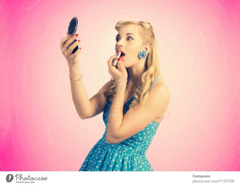 PinUp Girl schminkt sich Lifestyle Reichtum elegant schön Haut harmonisch Party Mensch feminin Frau Erwachsene 1 18-30 Jahre Jugendliche Mode Bekleidung