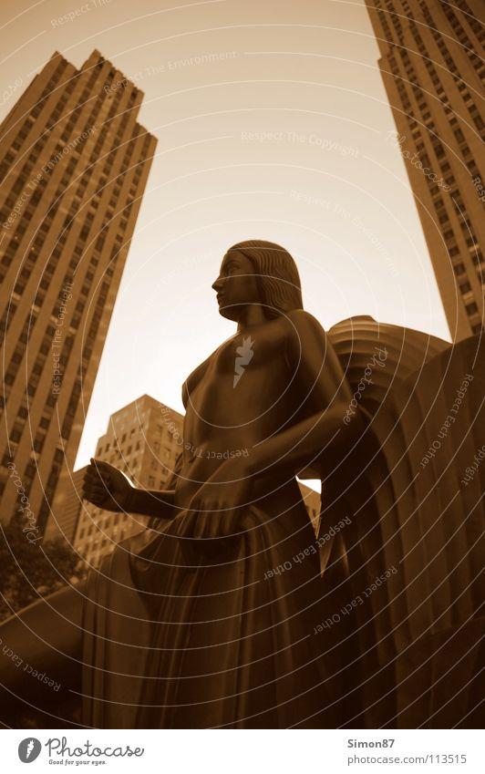 Rockefeller Statue Stadt Hochhaus Perspektive Statue Denkmal Wahrzeichen New York City Sepia Rockefeller Center