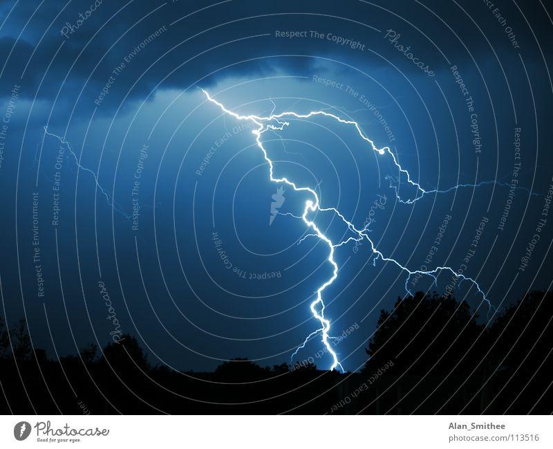 zap! Kraft Blitze Himmel Macht Gewitter lightning strike night storm dark Energiewirtschaft thunderstorm sky clouds powerful thunderbolt weather flash