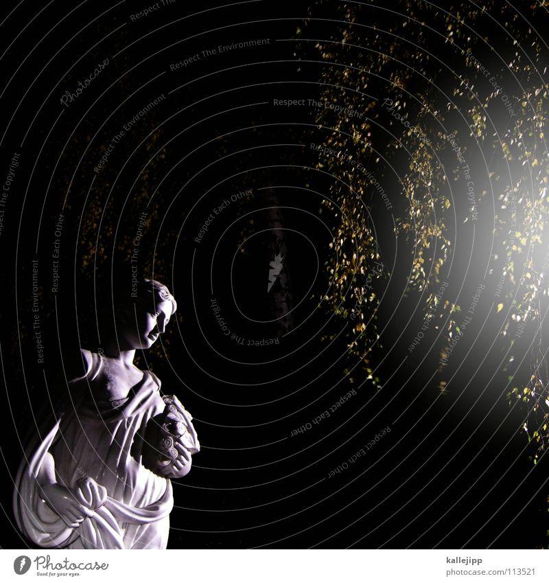 streetlight Frau Mondschein Straßenbeleuchtung feminin Griechenland Altertum Nacht Verschwörung Tracht Rom Birke Baum Blatt Licht Torso Kunst Friedhof