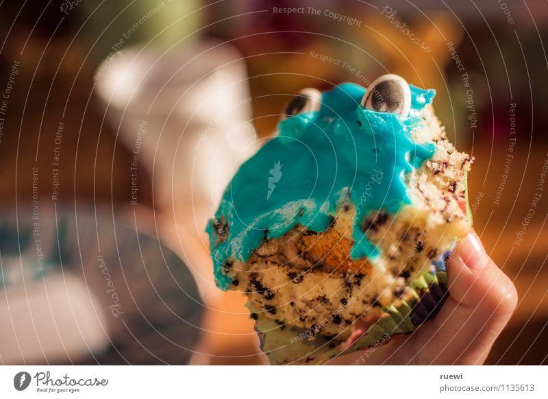Muffinmonster 2 Mensch Kind Hand Auge lustig Essen klein Feste & Feiern braun Lebensmittel Party Freizeit & Hobby Häusliches Leben Geburtstag