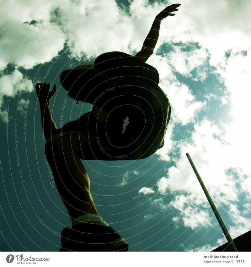 FLY Himmel Mann Freude Wolken Spielen springen Beine fliegen Arme hoch Aktion zyan