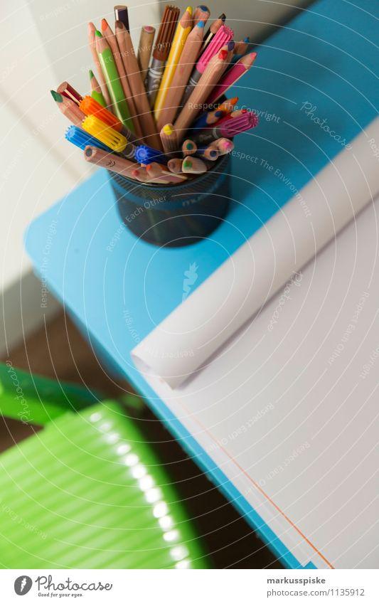 kita malstunde Mensch Kind Freude Mädchen Junge Spielen Arbeit & Erwerbstätigkeit Freizeit & Hobby Zufriedenheit leer lernen einzigartig Papier malen Bildung entdecken