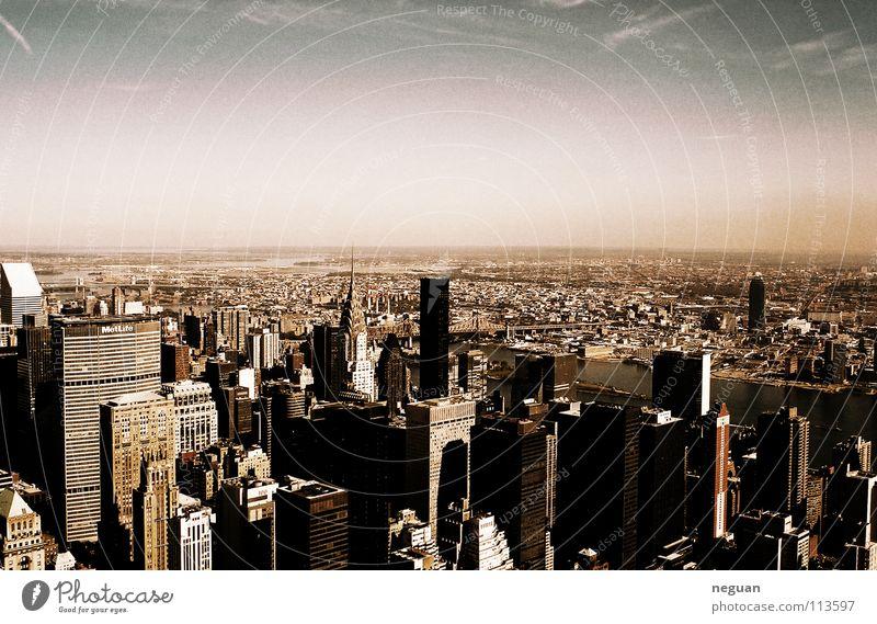 betondschungel Stadt New York City Amerika Manhattan Hochhaus Beton Urwald Aussicht Herbst groß mehrfarbig Verschiedenheit klein big city USA Himmel