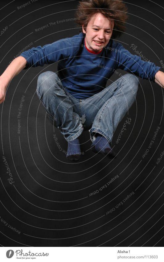 Anstrengung im Kopf ... Hand Freude Spielen springen Beine Fuß Angst elegant gefährlich Elektrizität bedrohlich Schnur Niveau Jeanshose Asien Konzentration