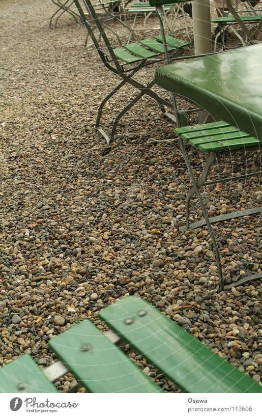 Biergarten grün Sommer Tisch Stuhl Gastronomie Möbel Kies Campingstuhl Klapptisch