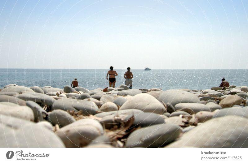 Roquebrune Strand Frankreich Ferien & Urlaub & Reisen Kies Tourist Badegast Meer Wellen Sonnenbad ruhig Wasserfahrzeug Horizont Schwimmen & Baden Stein Sand