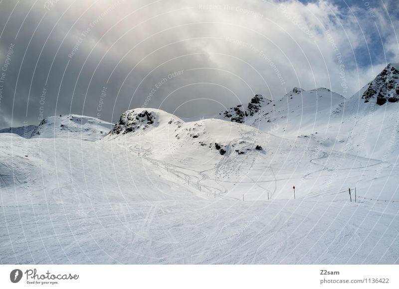 Saisonende Himmel Natur Ferien & Urlaub & Reisen Erholung Einsamkeit Landschaft ruhig Wolken Winter kalt Umwelt Berge u. Gebirge Schnee natürlich Wege & Pfade