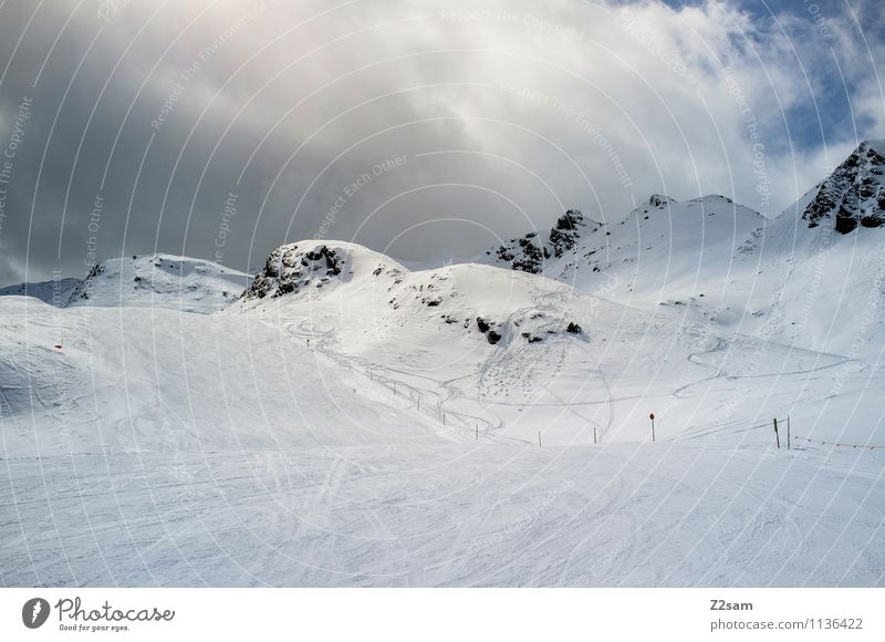 Saisonende Umwelt Natur Landschaft Himmel Wolken Winter Wetter Schnee Alpen Berge u. Gebirge Gipfel Schneebedeckte Gipfel gigantisch kalt nachhaltig natürlich