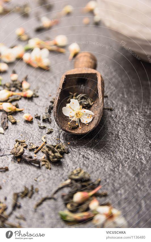 Jasmin Tee inTeeschaufel Lebensmittel Löffel Stil Design Alternativmedizin Gesunde Ernährung Tisch Natur Pflanze gelb jasmine Teepflanze Antioxidant Schaufel