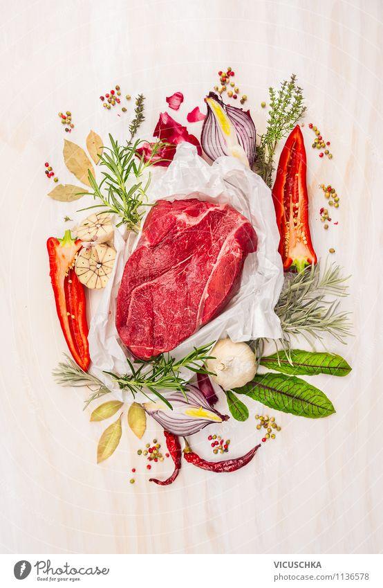 Rohes Rind Fleisch mit Kräuter und Gewürzen grün Blatt Gesunde Ernährung Leben Stil Lebensmittel Design Kochen & Garen & Backen Fitness Kräuter & Gewürze Gemüse