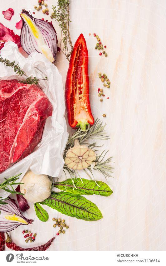 Bio Fleisch mit Kräutern und Gemüse Lebensmittel Salat Salatbeilage Kräuter & Gewürze Ernährung Mittagessen Abendessen Festessen Bioprodukte Diät Stil Design