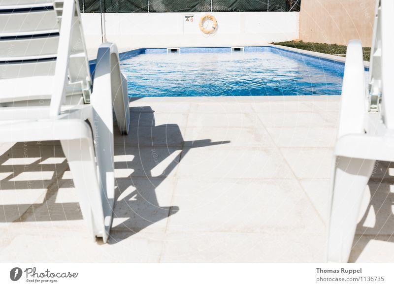 Fehlt noch der Cocktail! Ferien & Urlaub & Reisen blau weiß Sommer Sonne Erholung ruhig kalt Gesundheit Glück Schwimmen & Baden Garten hell Freizeit & Hobby