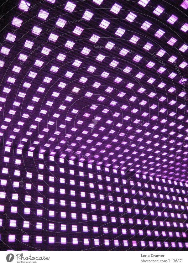 Auf der Reeperbahn Licht violett grell Lichtspiel spontan Nachtaufnahme Farbe vieloett Deutschland Reaktionen u. Effekte Kästchen