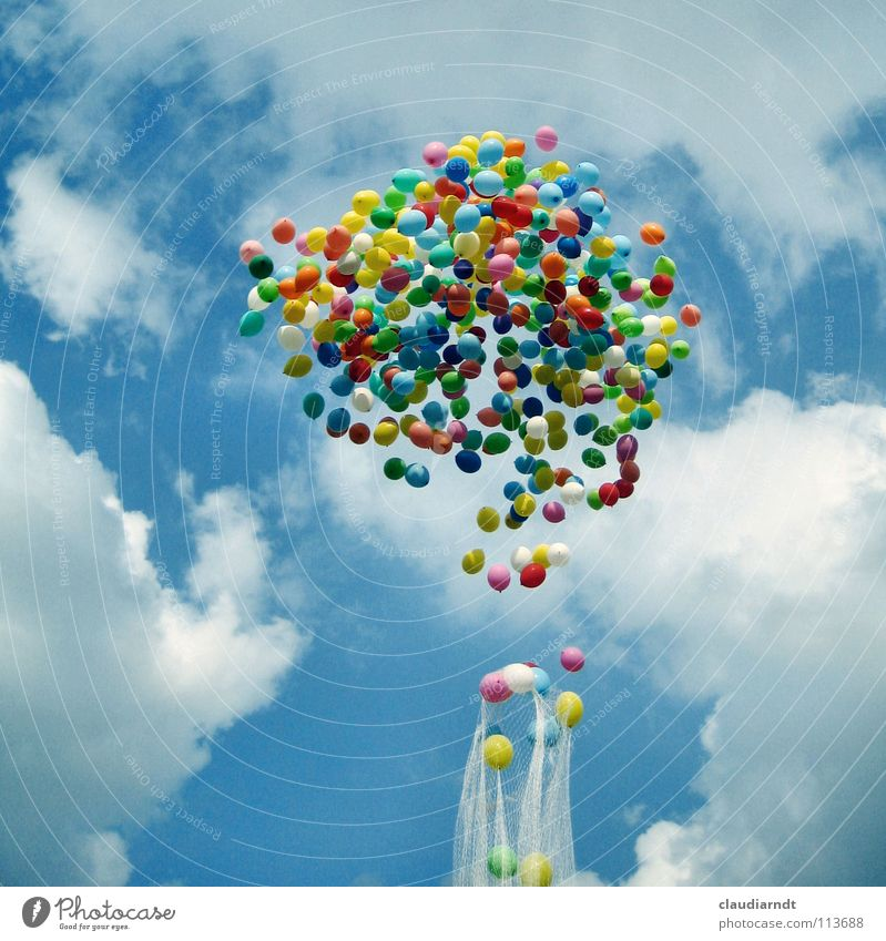 Gummiwolke Himmel Wolken Farbe Freiheit Feste & Feiern Geburtstag fliegen Beginn Luftballon Netz Kindheit leicht aufwärts Schweben Leichtigkeit aufsteigen