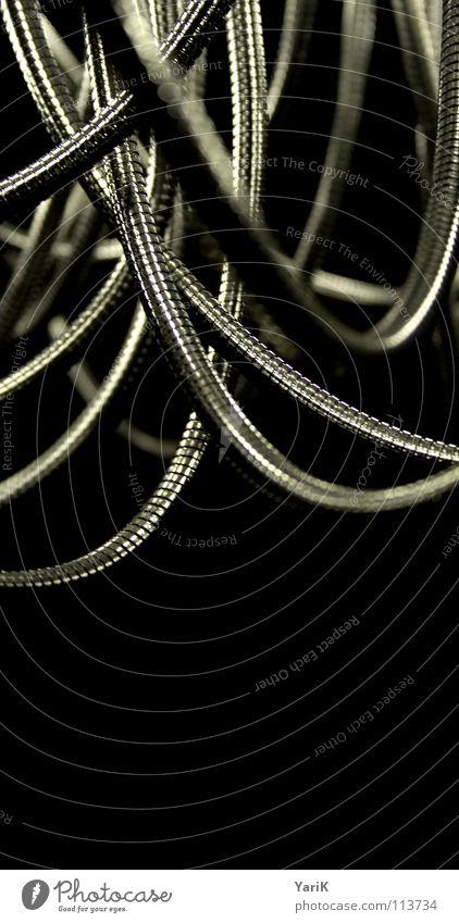 matrix I dunkel Metall Technik & Technologie Industriefotografie Stahl Röhren obskur Kurve Schlauch Biegung Chrom technisch Roboter geschwungen Mechanik