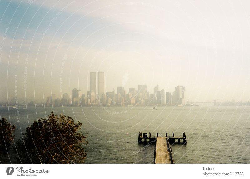 NYC 2000 Stadt Gebäude Kunst dreckig Hochhaus Verkehr Macht USA Skyline Amerika Wahrzeichen Stress Stadtzentrum Stock Sehenswürdigkeit