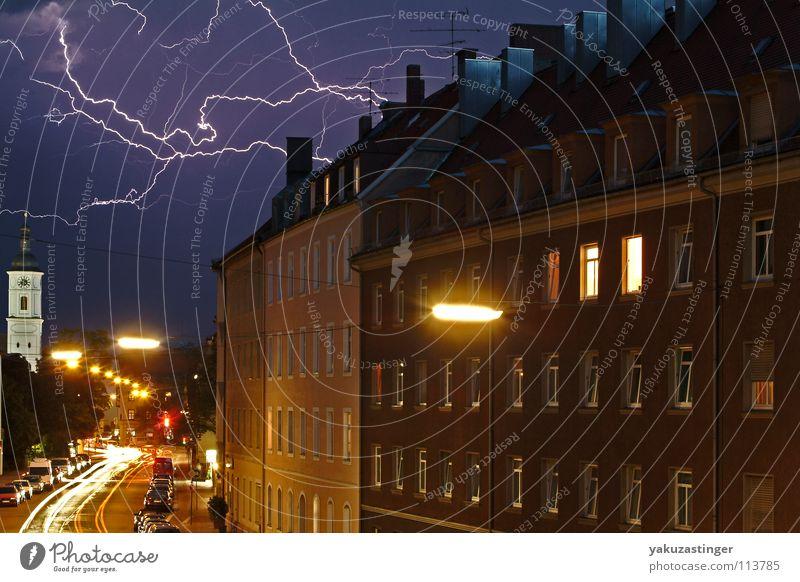 Gods Army Blitze Wolken Laterne Fenster Licht Donnern Gewitterwolken Ampel Langzeitbelichtung Pfeuferstrasse Strichspuren Regen Straße