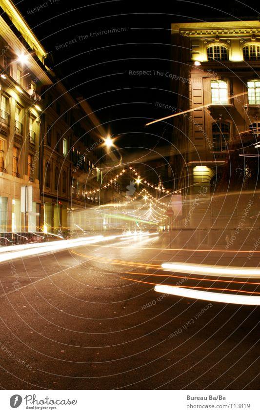 Weihnachtliches Bern Weihnachten & Advent weiß schwarz Straße PKW braun Verkehr Stern (Symbol) Schweiz Licht Verkehrswege Hauptstadt Kanton Bern