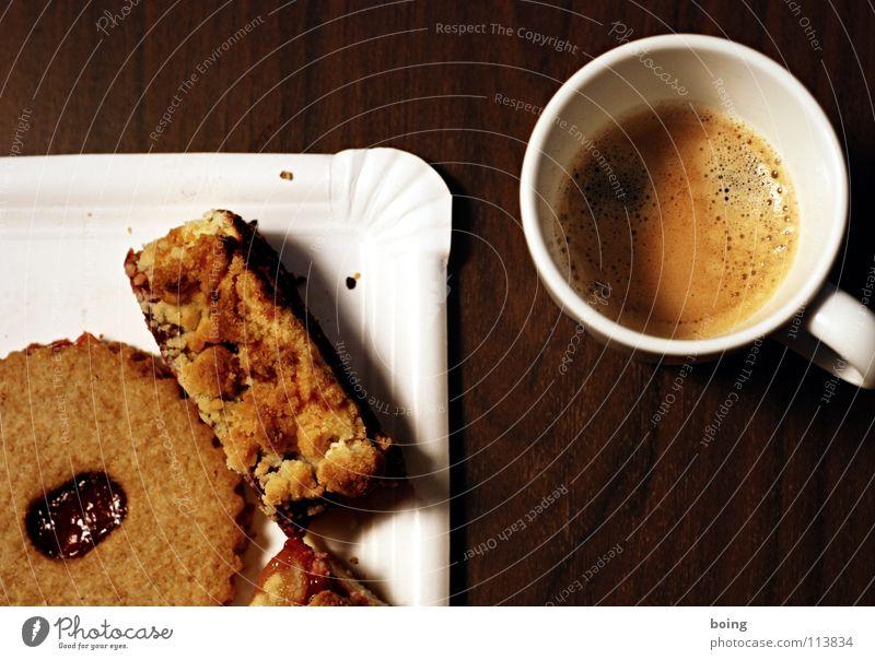Brainstorm im Modelleisenbahnverein Denken Feste & Feiern Pause Kaffee Kochen & Garen & Backen Club Süßwaren Tasse Kuchen Zucker Backwaren festlich Plätzchen Espresso Krümel besinnlich