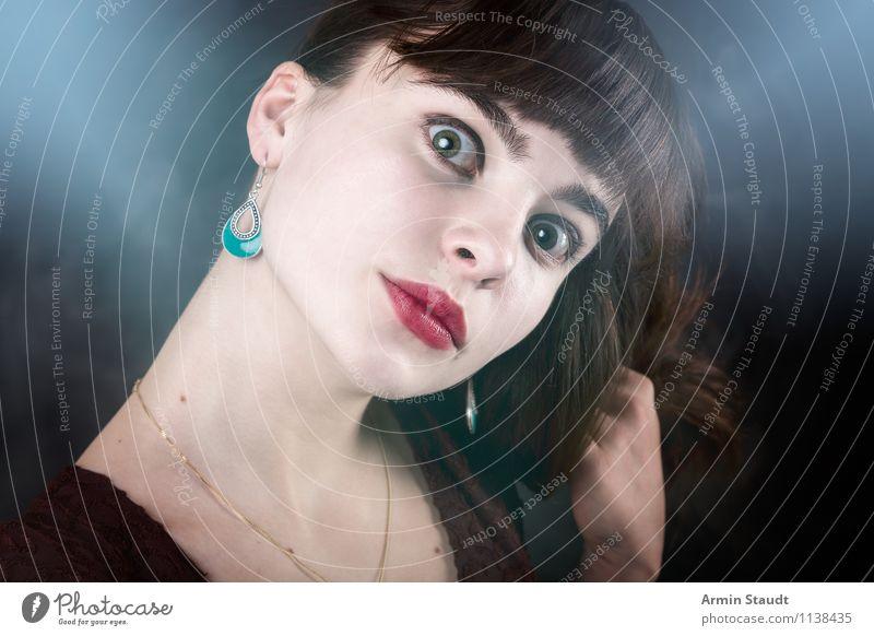Letztens im Nebel II Mensch Frau Kind Jugendliche schön Junge Frau Winter Erwachsene Auge feminin Stil Haare & Frisuren Mode Lifestyle Design elegant
