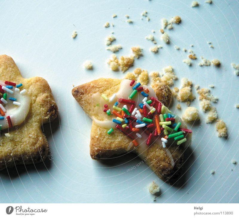 angeknabberte Kekse und Krümel Plätzchen Weihnachtsgebäck Backwaren Bäckerei Weihnachten & Advent genießen lecker Ernährung angefressen Teigwaren Zuckerguß