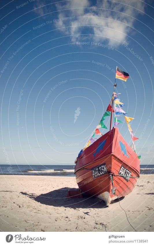 gestrandet Himmel Natur Wasser Landschaft rot Meer Wolken Strand Küste Deutschland Wasserfahrzeug Arbeit & Erwerbstätigkeit Sand Wellen Schönes Wetter