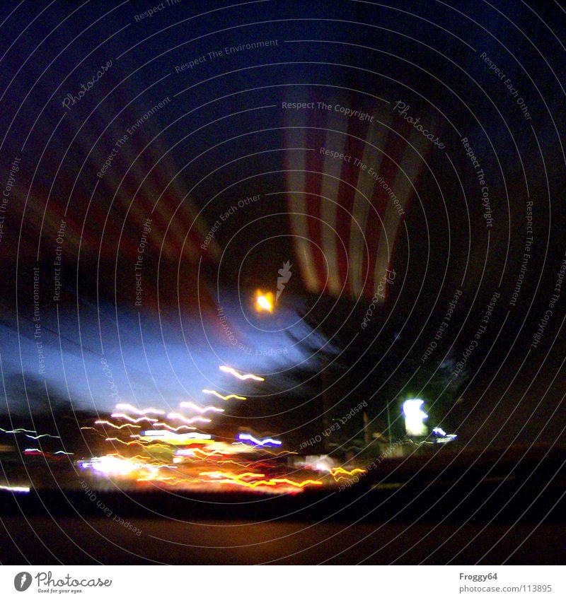 Nachtfahrt Tunnel fahren Fahrzeug Verkehr Autofahrer heimwärts Geschwindigkeit Geschwindigkeitsbegrenzung Beschleunigung PKW Straßenverkehr Fahrzeugbau Eile
