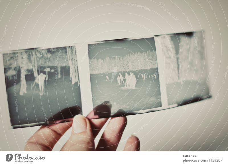 alte negative III Hand Finger festhalten durchsichtig Quadrat analog Nostalgie Erinnerung Daumen Fingernagel