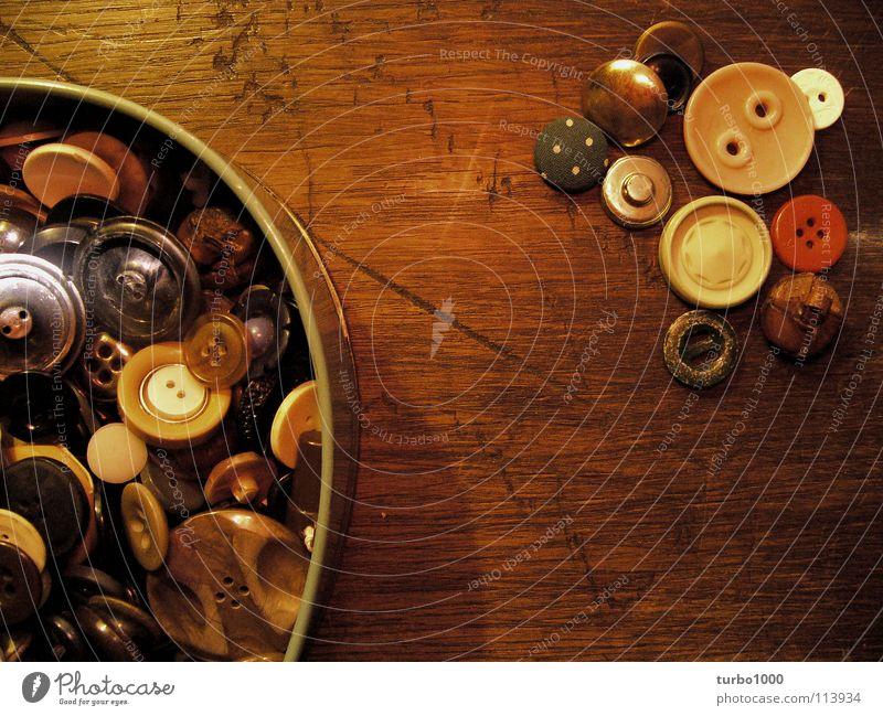 für fortgeschrittene Knöpfe Holz Tisch Dose Nähen Knopfloch Nähmaschine Sammlung Freizeit & Hobby Schneidern Bekleidung Metall Ruhestand Mode