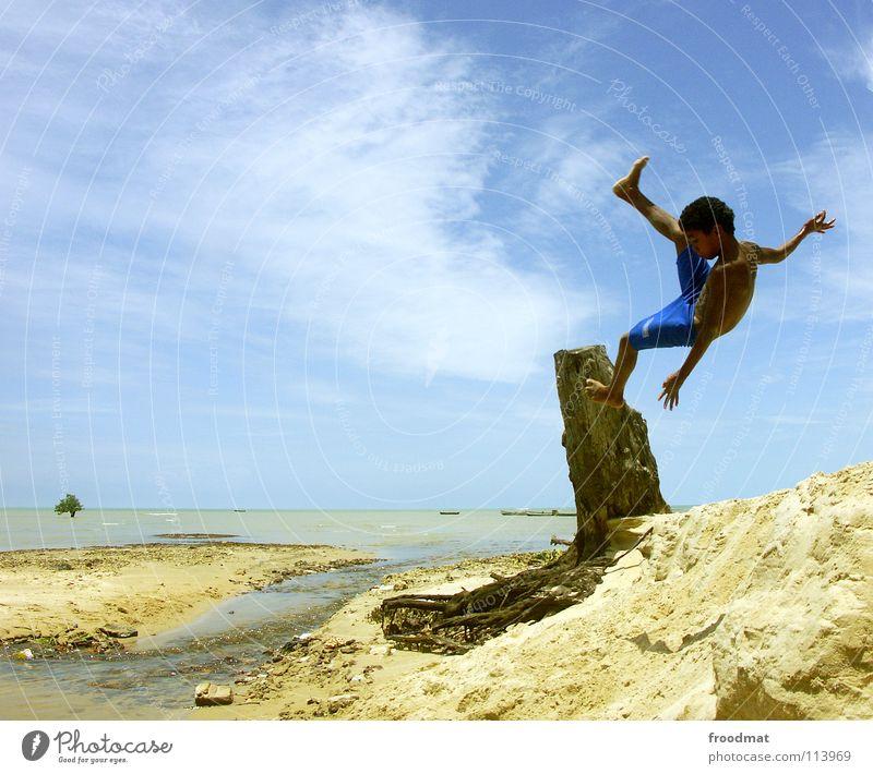 one of a hundred Brasilien Strand Meer Palme Ferien & Urlaub & Reisen Kind Lebensfreude Salto gefroren Wasserfahrzeug lässig Luft Ausgelassenheit akrobatisch