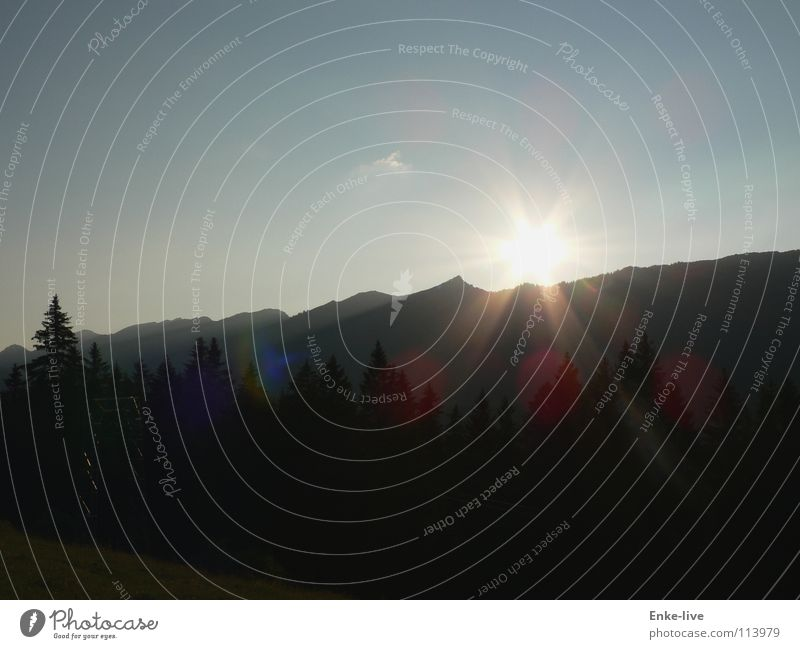 Sunlight Himmel Baum Sonne blau schwarz Wald Wiese Berge u. Gebirge grau Deutschland Alpen Tanne Fleck Bergkette Himmelskörper & Weltall