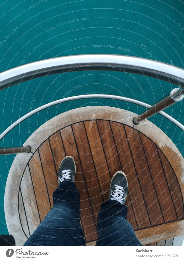 Schiff ahoi Mensch Ferien & Urlaub & Reisen Sommer Erholung Ferne Lifestyle Freiheit Tourismus Verkehr wandern Wellen Schuhe stehen Aussicht Ausflug Abenteuer