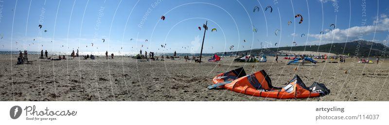 Surferparadies Andalusien Tarifa Spanien Atlantik Strand Meer Kiting Sport Spielen Kite Surfer Segel