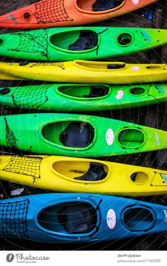 Farbenfrohes Paddeln Freizeit & Hobby Ferien & Urlaub & Reisen Tourismus Ausflug Abenteuer Sightseeing Städtereise Kreuzfahrt Sommerurlaub Wassersport Umwelt