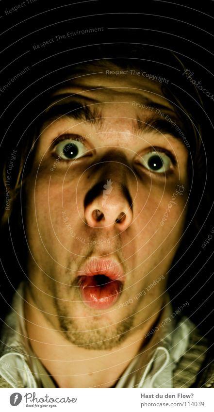 ohoooo Ärger Wut platzen bleich schwarz weiß Nasenloch Wimpern Augenbraue braun Stirn Stirnfalte distanzieren Trauer sprechen Grimasse maskulin seltsam