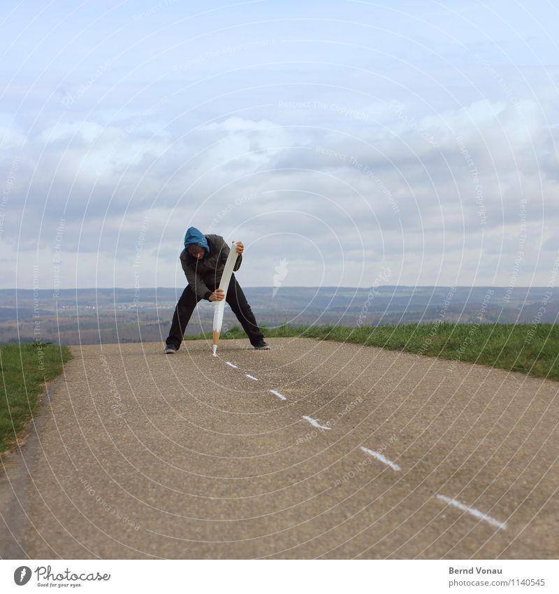 bürgerinitiative Mensch Mann grün Landschaft Freude Erwachsene Gras lustig Linie Arbeit & Erwerbstätigkeit Schilder & Markierungen Verkehr Aussicht malen Asphalt schreiben