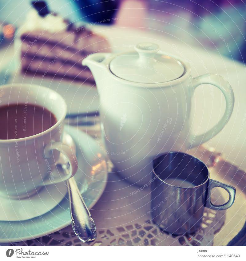 Draußen nur Kännchen elegant trinken alt Lebensfreude Idylle Kannen Kaffee Kuchen Kaffeetasse Kaffeetrinken Kaffeetisch Kaffeekanne Kaffeelöffel altmodisch