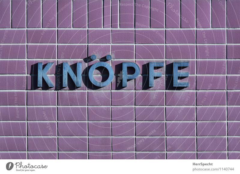 Fachgeschäft Wien Stadt Haus Gebäude Mauer Wand Fassade Metall Schriftzeichen alt violett Knöpfe Nähen Ladengeschäft Ware Nähbedarf Werbung Farbfoto