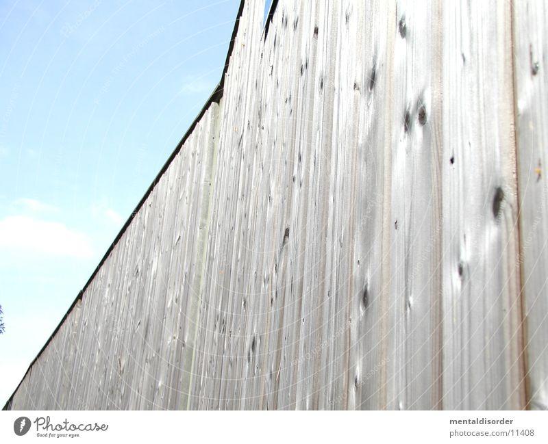 Lärmschutz Himmel ruhig Wolken Holz Mauer Architektur Ast Autobahn Holzbrett bleich laut hinten Krach Astloch
