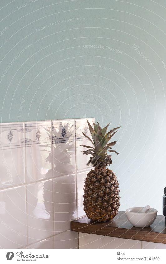 pZ2 l Ananas Lebensmittel Frucht Ernährung Vegetarische Ernährung Mörser Häusliches Leben Küche natürlich Vorfreude Fliesen u. Kacheln Wand Farbfoto