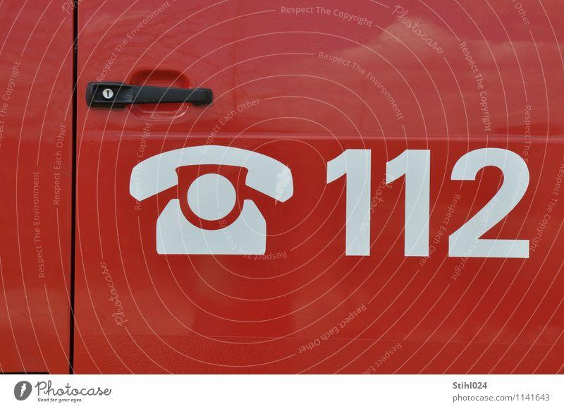 112 Arzt Dienstleistungsgewerbe Telekommunikation Krankenwagen Notfall Notarzt Zeichen Ziffern & Zahlen fahren rot Tatkraft Schutz Selbstlosigkeit