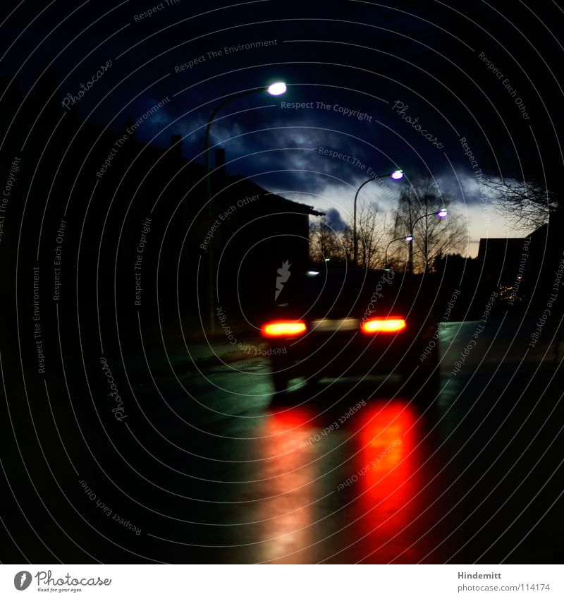 Twilight in OBD [2] Himmel Baum grün blau rot Haus Wolken Straße Lampe dunkel Herbst PKW Regen hell nass Verkehr