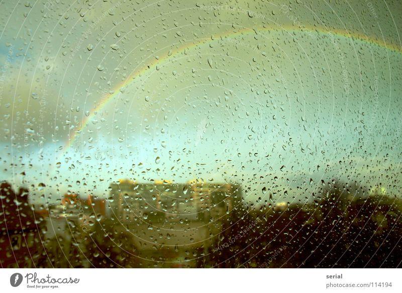 rain-bow-drops Natur schön Himmel Stadt Wolken Farbe dunkel Fenster Regen Glas Vergänglichkeit außergewöhnlich Fensterscheibe Regenbogen