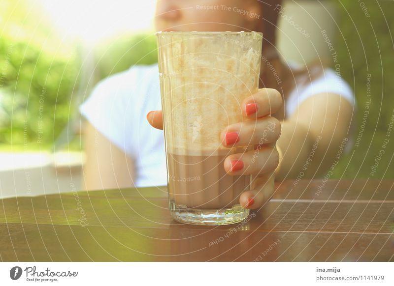 Eiskakao, die Sommerliebe Lebensmittel Dessert Süßwaren Ernährung Frühstück Kaffeetrinken Getränk Erfrischungsgetränk Heißgetränk Kakao Latte Macchiato Glas
